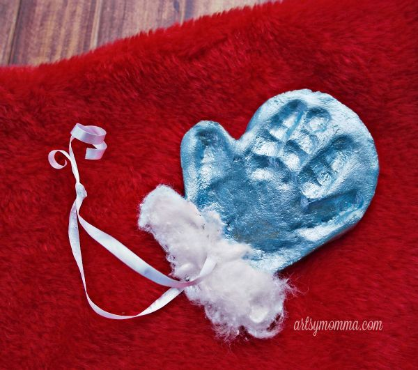 Little hands are so sweet! I wish they could stay that little for longer. One way to capture the precious memory of their tiny hand is to make an ornament keepsake. Every year at Christmas you will be reminded of how little they were. In this post, we are sharing a simple salt dough mitten …