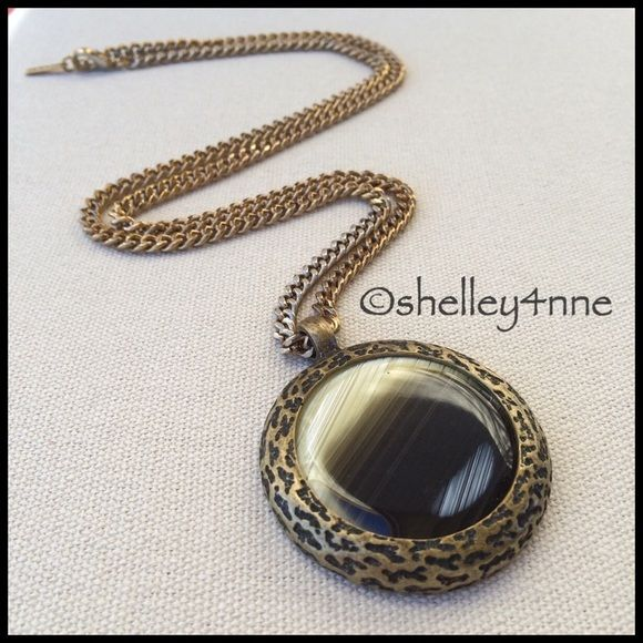 Looking Glass Pendant ▪️Re-Posh▪️ Lovely neutral pendant - I just never wear it! Perfect condition! Jewelmint Jewelry Necklaces