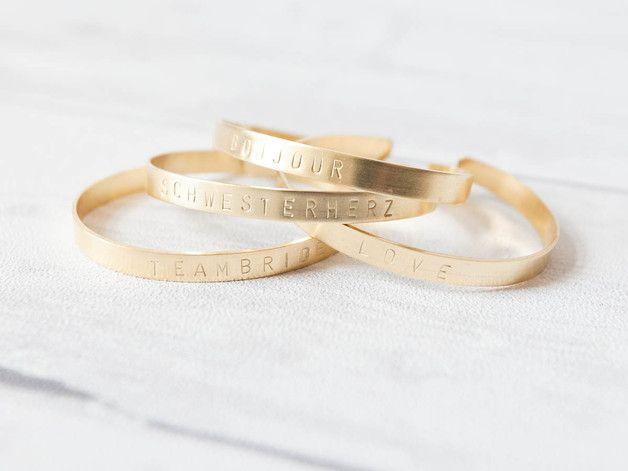 Goldenes Armband mit individueller Gravur / golden bracelet with customized engraving, gift idea for her made by Oh Bracelet Berlin via DaWanda.com