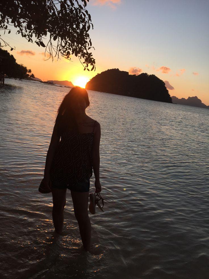 Las Cabanas Beach Sunset, El Nido Palawan