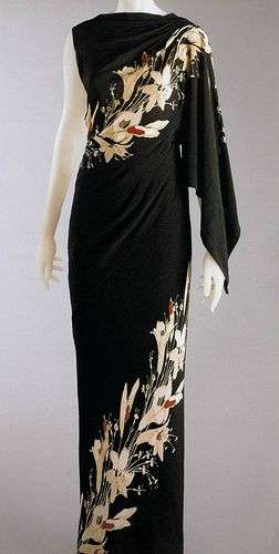 Elsa Schiaparelli... elegant column of a dress
