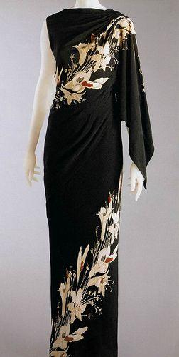 Some things are utterly timeless. Schiaparelli 1935. Beautiful . . . @Sharon Macdonald Macdonald Oh Really