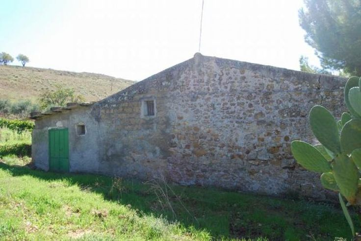 Property for sale in Sicily, Agrigento, , Italy - Italianhousesforsale  http://www.italianhousesforsale.com/view/property-italy/sicily/agrigento/2525280.html