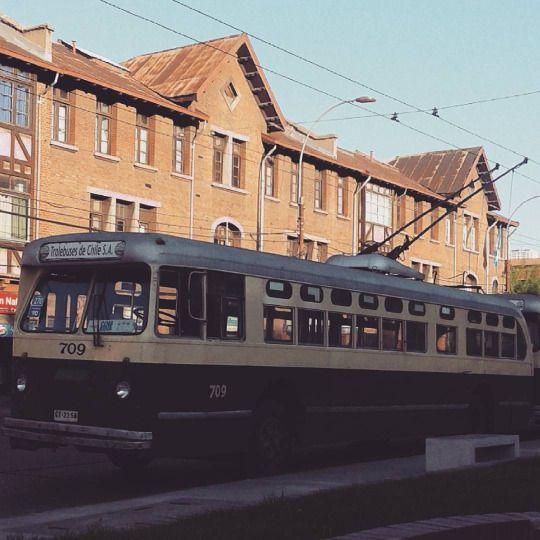 Troleybus en Av.Argentina