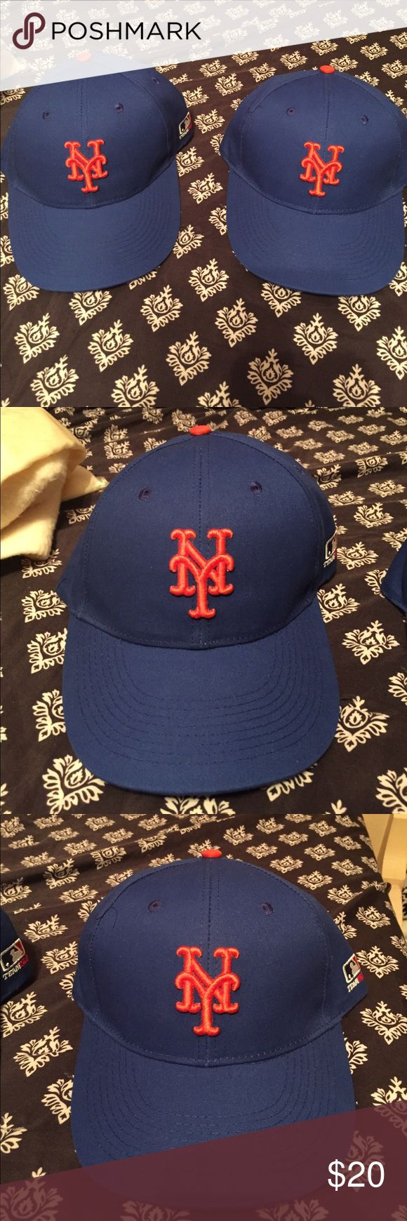 2 New York Mets Hats! 2 NY Mets Hats! Left worn once right never worn! Accessories Hats