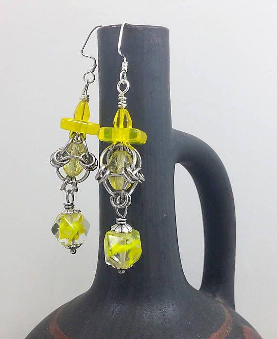 Chainmaile earrings bright #yellow #lantern #earrings #gloveinthedark #festije