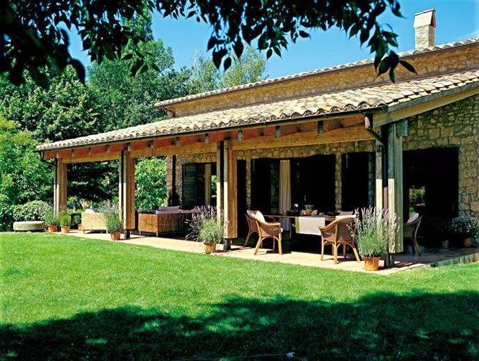 Campo - Duas casas na fazenda