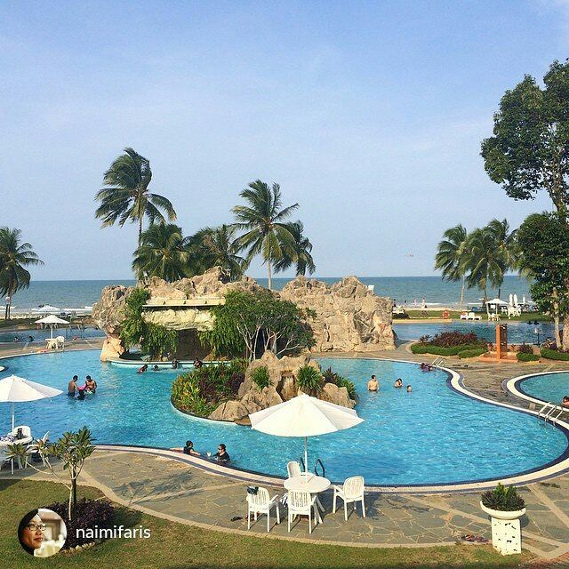 from @naimifaris  Legend Hotel & Resort - Cherating Malaysia  #MalaysiaTravel #malaysia #asia #asiatravel #travelasia #travelmalaysia #backpacking #explore  #holiday #places #resort #luxury #cuticutimalaysia #MalaysiaTrulyAsia #instadaily #instagood #instalove #awesome #instacool #summer #summerholiday #pool