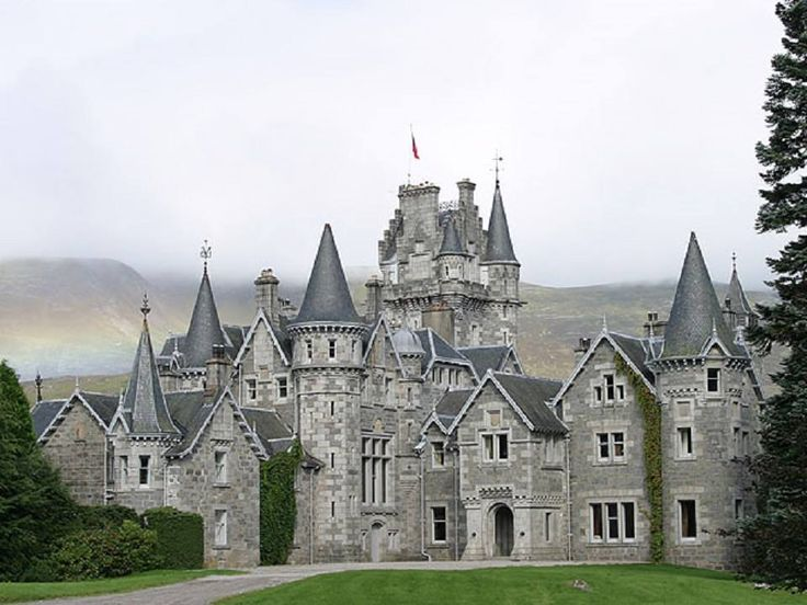 543 best castles images on pinterest castles beautiful for Scottish highland castle house plans