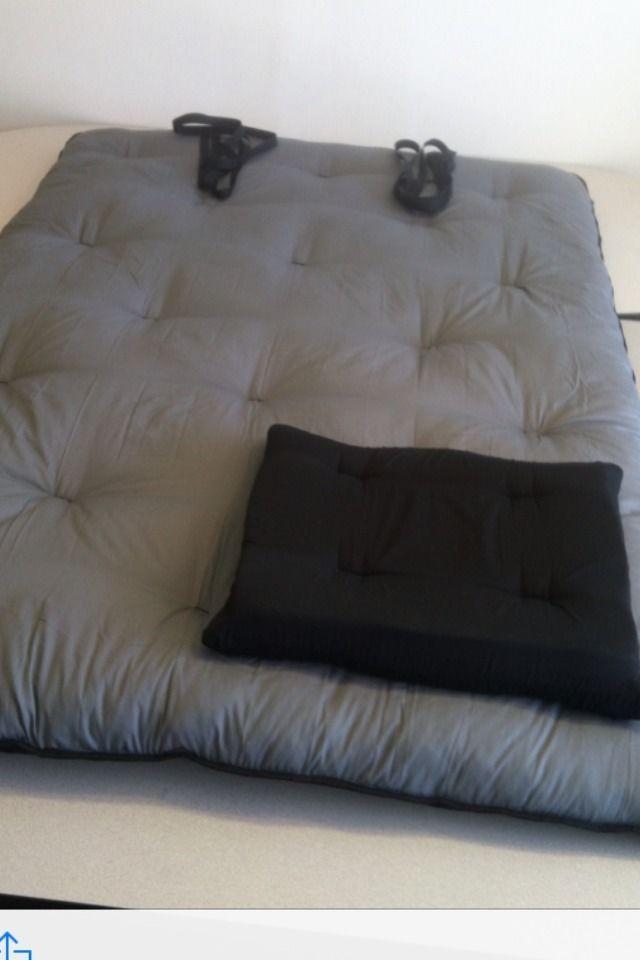 25 best ideas about tatami futon on pinterest tatami. Black Bedroom Furniture Sets. Home Design Ideas