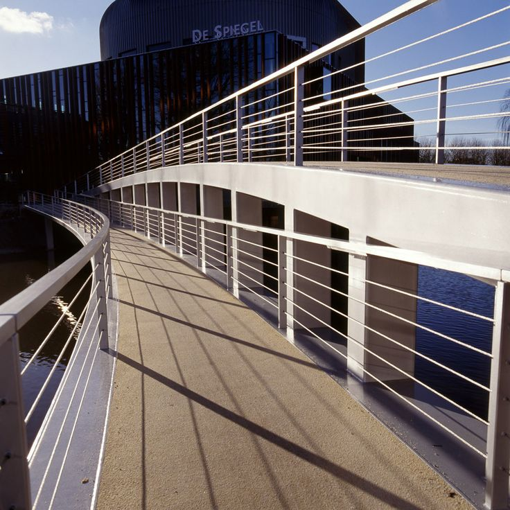 Footbridge to the centre of Zwolle, the Netherlands. Design by ipv Delft.
