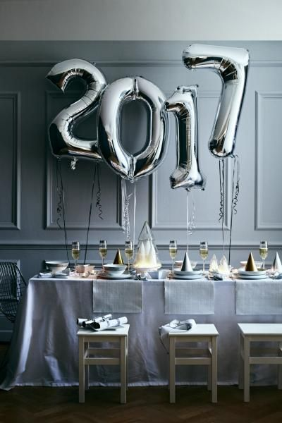 Now THAT'S how you throw a New Year's Eve dinner party.                                                                                                                                                                                 More