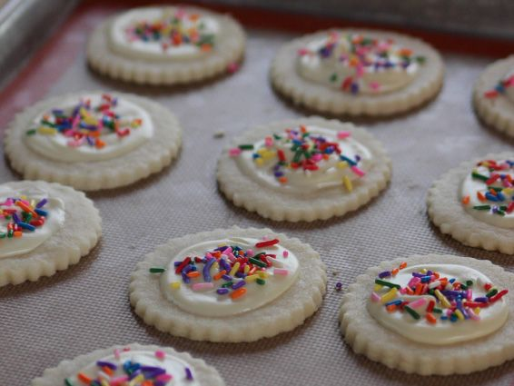 White chocolate shortbread cookies recipe shortbread for Food network 50 bar cookie recipes