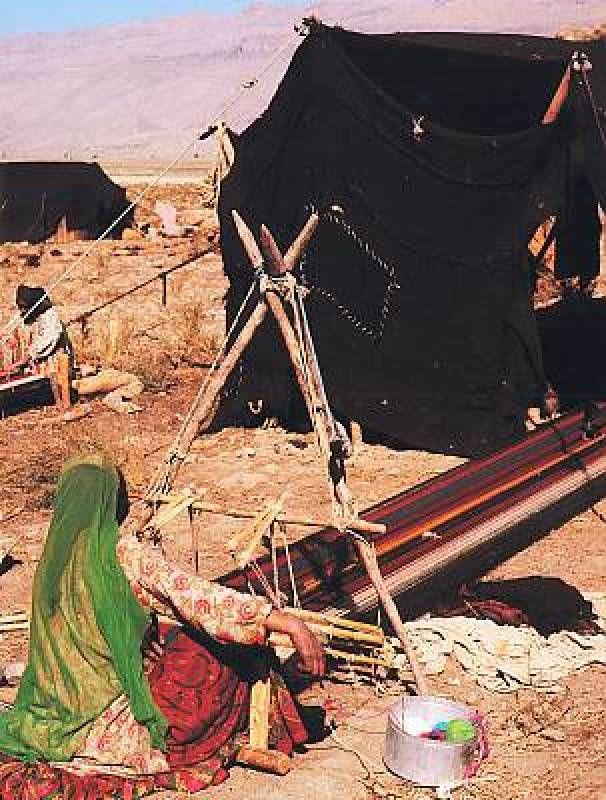 Traditional skills of carpet weaving in Fars http://www.iranparadise.com/en/gallerygroup/gallery/23
