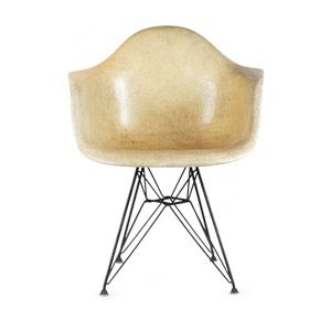 Early Eames Fiberglass DAX Armchair With Rope Edge On Original Herman  Miller Eiffel Tower Base.