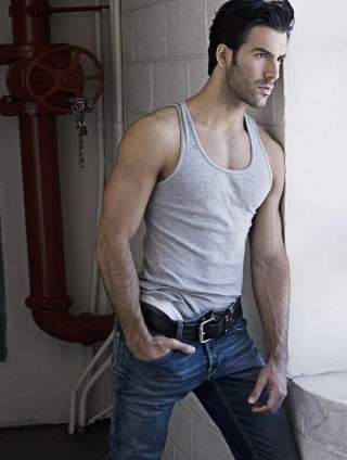 I don't know this guys name or who is his. And I don't care: Eye Candy, Guy, Daniel Villa, Sexy Men, Villas, Photo, Tank, Hot Men