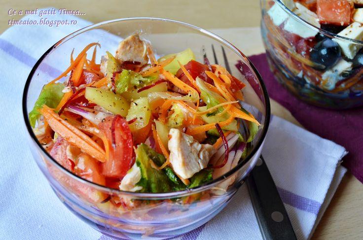 Ce a mai gatit Timea...: Salata de cruditati cu piept de pui