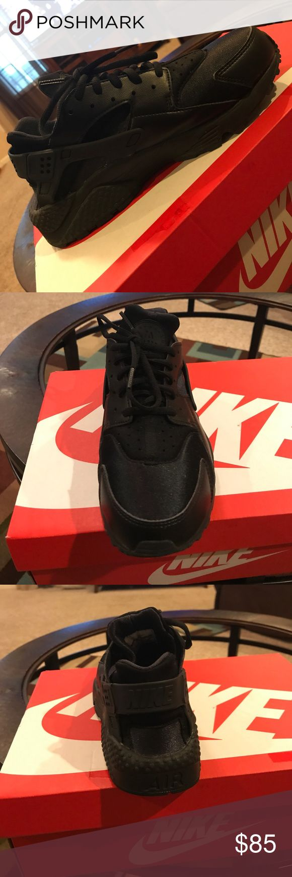 All black Nike Huaraches shoes All black Nike Huaraches! Nike Shoes Athletic Shoes