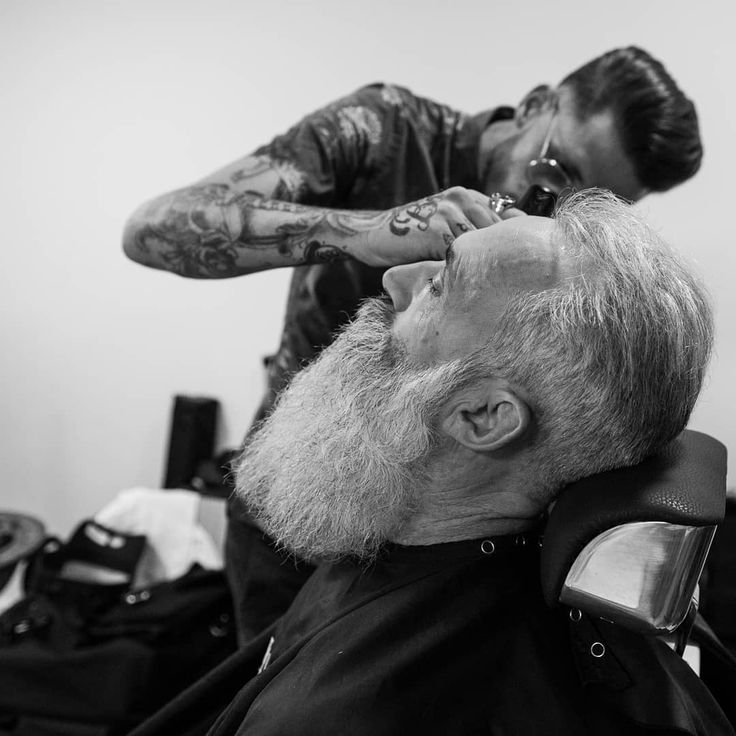 Backstage #backstage #barber #barbe #barbers #fashion ##barbudos