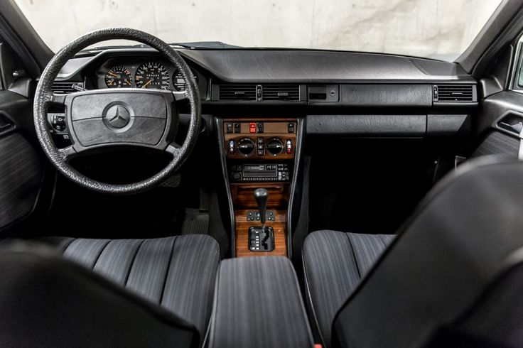 Mercedes - Benz  W 124  300 E 13