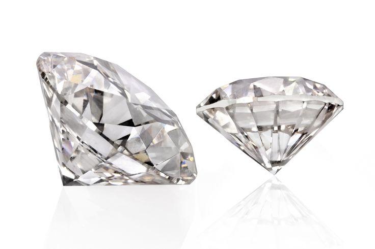 Bain & Company przewiduje, że w ciągu kolejnych 15 lat, popyt na surowiec diamentowy będzie rosnąć w tempie 3-4 procent rocznie. http://e-diamenty.pl/aktualnosci/rynek-diamentow-sprzedaz-w-gore-ceny-w-dol/