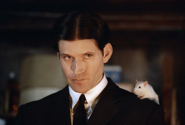 Mirror - Harry. I mean seriously. Add fifty pounds on him and he's Harry!  Still of Crispin Glover in Willard (2003)