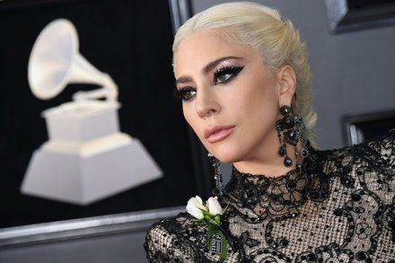 The White Rose Makes Its Grammys Debut in Support of #MeToo