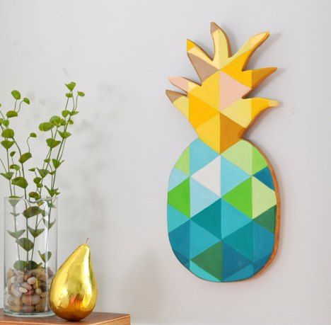 DIY Painted Geometric Pineapple Wall Art  - How to turn a cutting board into trendy Pineapple Wall Art. But, this isn't just any pineapple, I found this super cute cutting board at my favorite thrift store and I've been holding onto it for just the right up cycle. #WallCandy #DIYMySpring