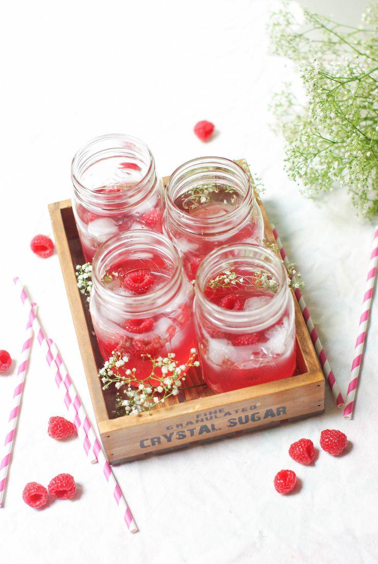 raspberry cosmopolitain cocktail