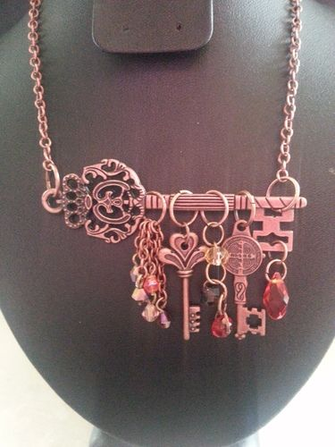 'Bronze Skeleton Key Necklace w/ Swarovski Elements' is going up for auction at  8pm Sat, Aug 3 with a starting bid of $1. So go set a reminder:)