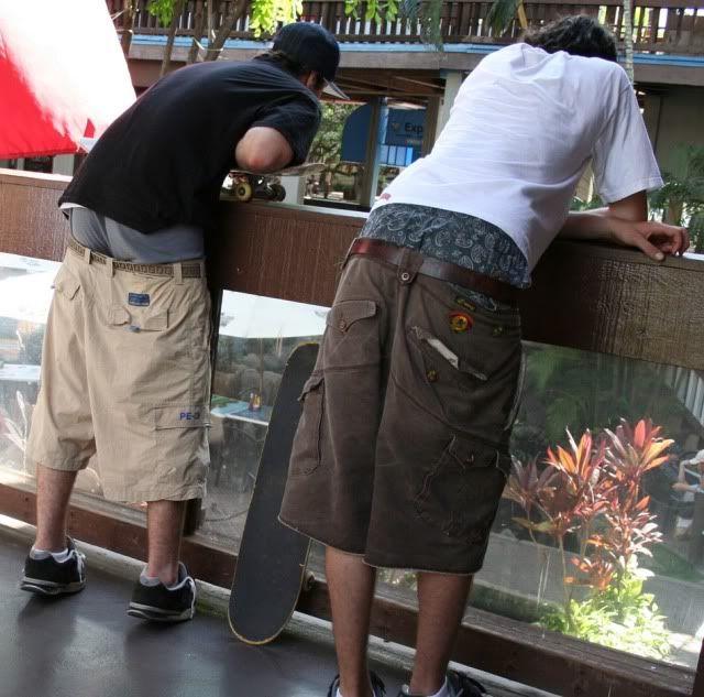 mens-sagging-trousers