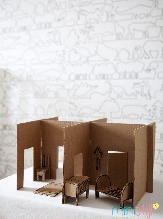 Meubels poppenhuis van karton