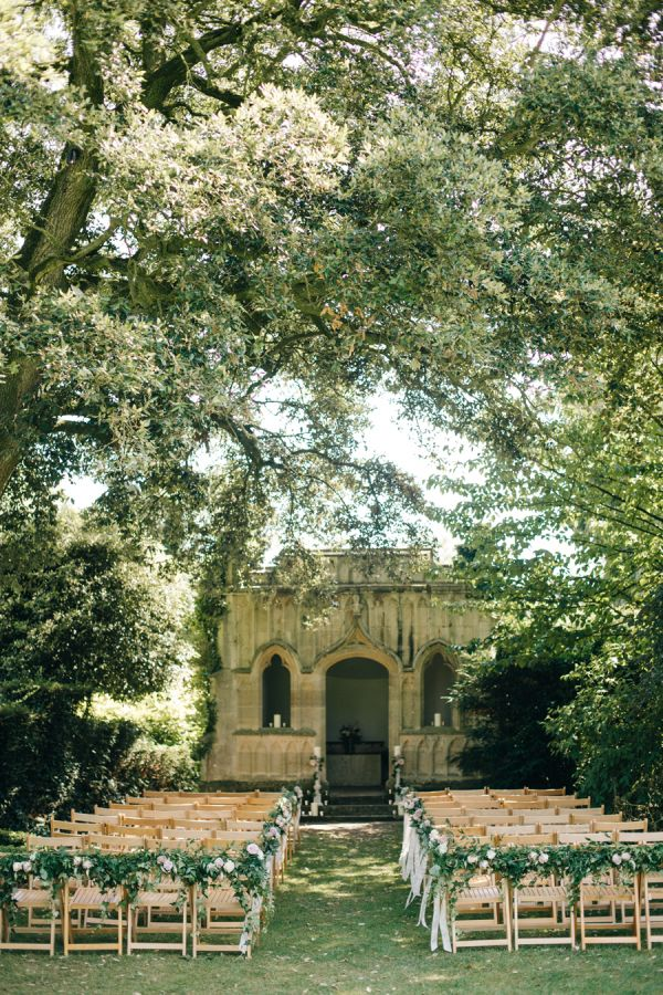 Fashionable English Garden Wedding at Barnsley House Gallery - Style Me Pretty