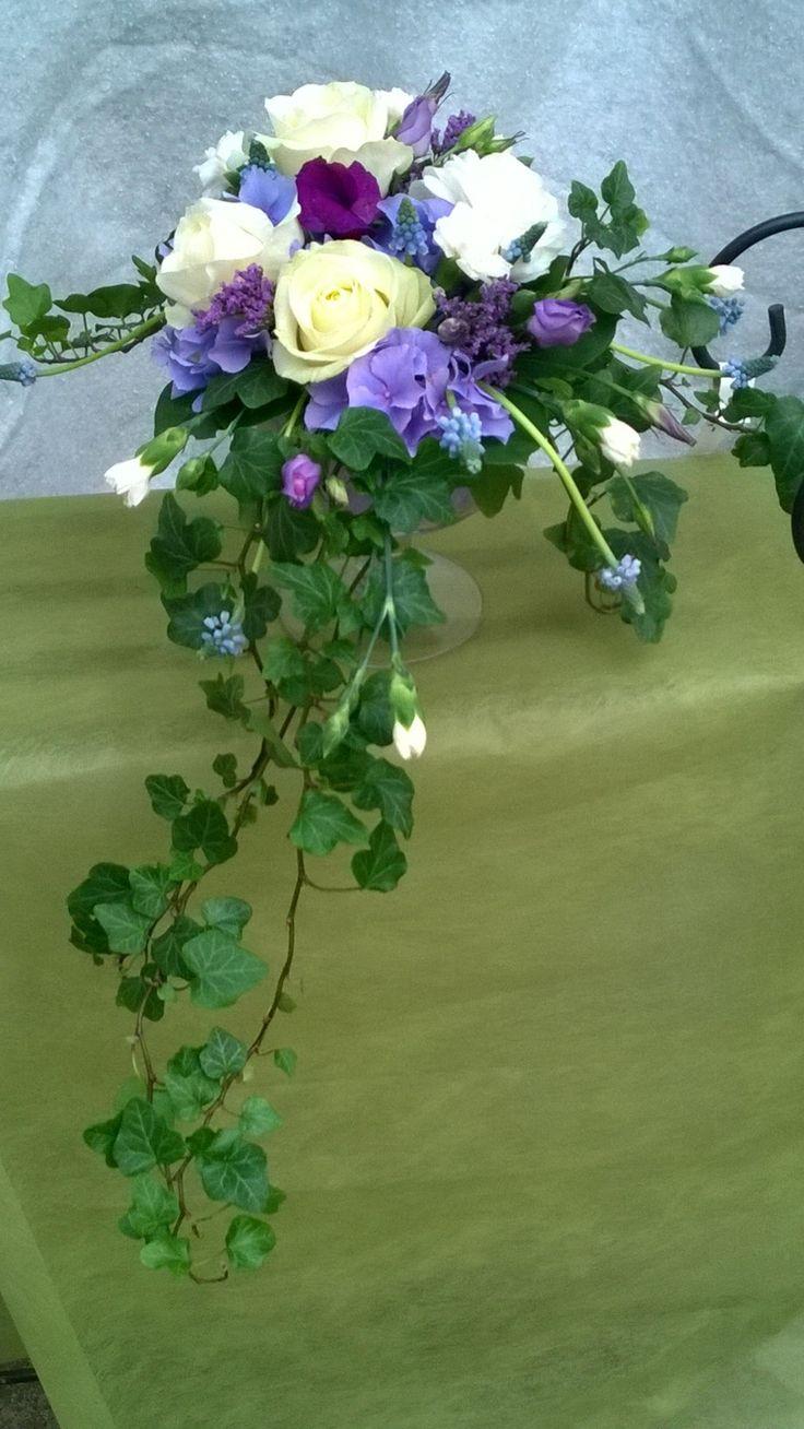 Purple and white flowers www.aleniuksenpuutarha.fi