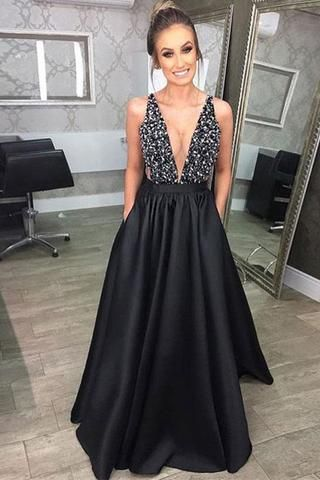 f71e86e0f1e31 Pin by Aurora Hill on Couture 2018/2019 | Prom dresses, Black prom ...