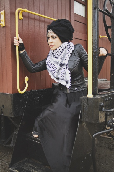hijablog. Thought I'd pin this just because of how badass and punk she looks.