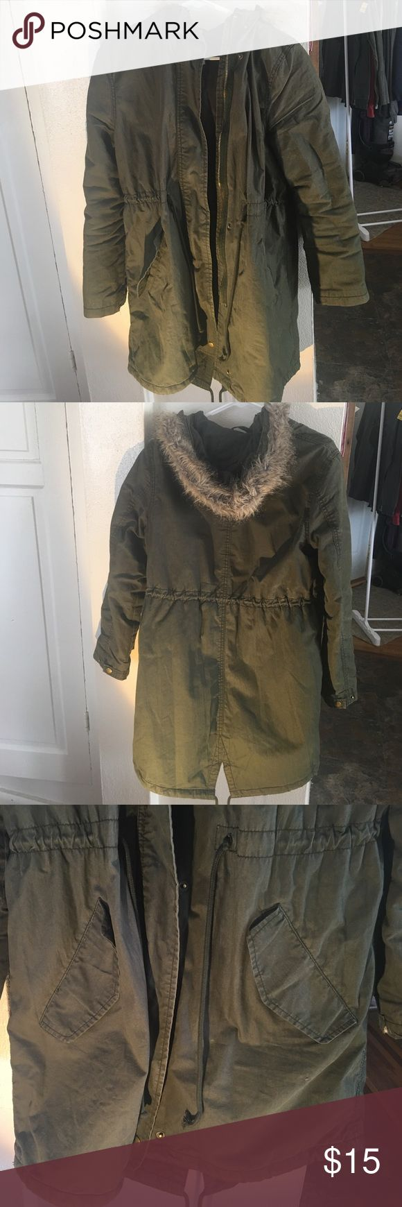 Army green light jacket with faux fur hood Army green lightweight jacket, has two external pockets, faux fur trim on hood, has both a zipper and buttons, and tie for the waist. Very flattering, comfortable, and stylish. Old Navy Jackets & Coats Utility Jackets