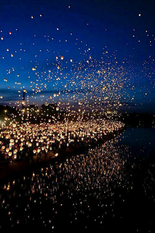 Floating lanterns, Thailandia