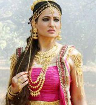 Rakshanda Khan hitched