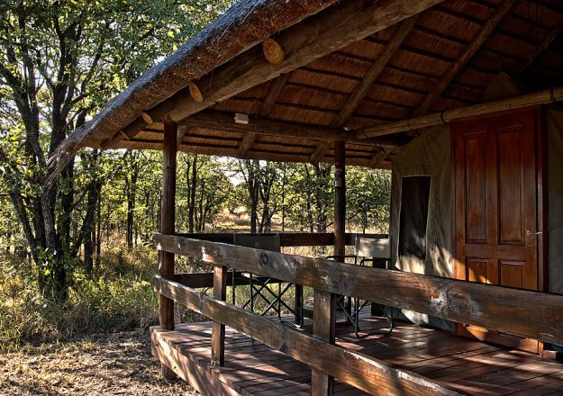 Shindzela Safari Camp is located in the Timbavati Reserve in Hoedspruit.