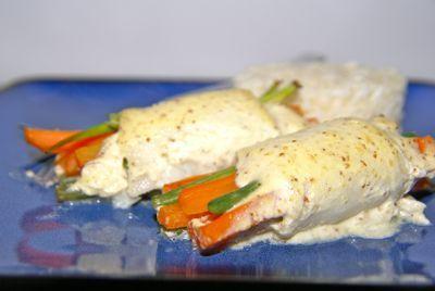 Dit ovengerecht met scholfilet en groente is heerlijk gezond. Je kunt alles tot aan het in de oven schuiven voorbereiden. Op deze manier kun je dit gerecht makkelijk doordeweeks eten. Wanneer je scholfilet te duur vindt kun je eventueel baars gebruiken.