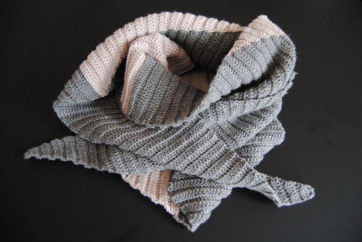 Crochet Scarf with Danish instructions - Garniturens Efterårskrammer