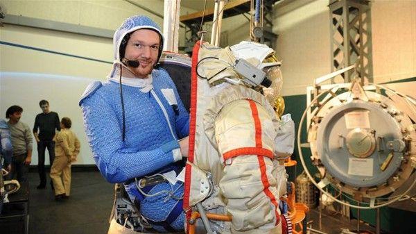 Dünyanın En Pahalı Kıyafetinin Özellikleri Neler?: İşte astronotların kıyafetlerinin özellikleri. Bu özel kıyafetleri… #dizi #tv