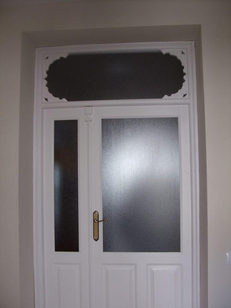 Portónes de madera. - Puerta lacada en blanco