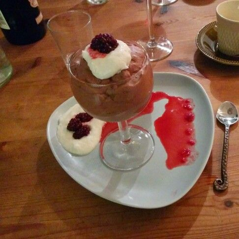Chocolade mousse with white chocolade creme and freshly stirred rasberries by Blund
