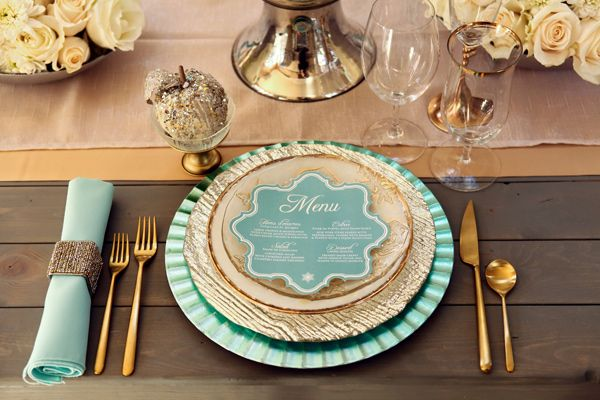 I love this color scheme and don't get me started on the napkin ring!!
