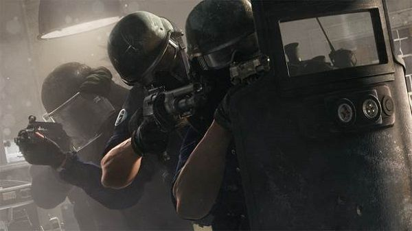 Ubisoft released a new trailer for Tom Clancy's Rainbow Six Siege. The trailer shows off new gameplay footage along with the snippets of accolades the game has received from the press.