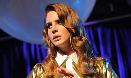 """La norteamericana Lana Del Rey, regresa con """"Honey Moon"""", un año después de """"Ultraviolence"""" su gran éxito hasta la fecha."""