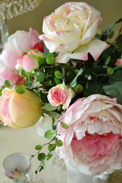 cabbage roses all things shabby and beautiful - Common Flowers In Arrangements