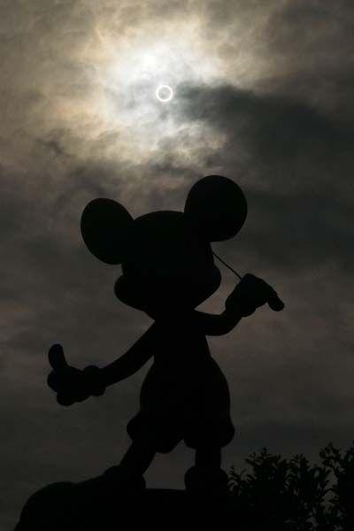 Annular solar eclipse at Tokyo Disneyland May 21st, 2012 Photo by Y.I